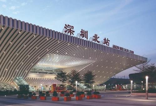 深圳北站LED灯箱广告