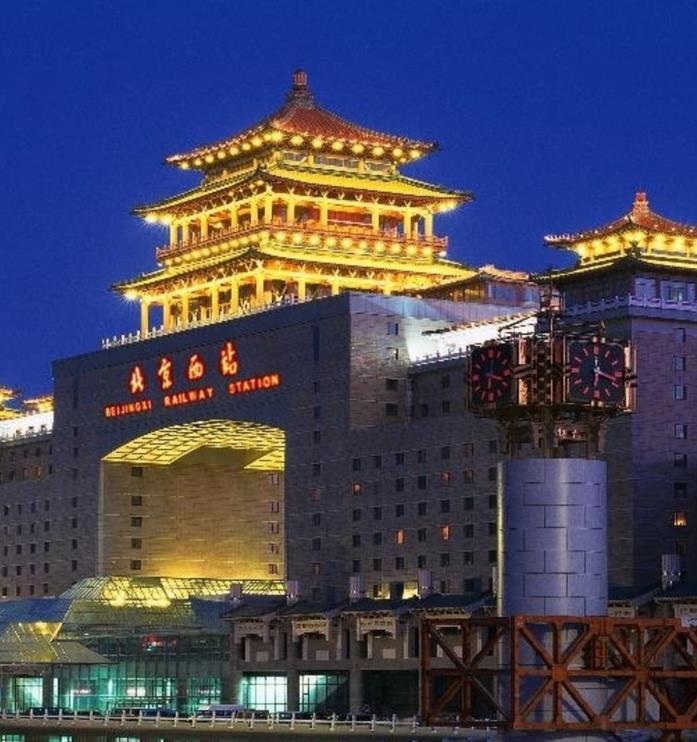 北京西站灯箱广告